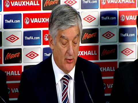 football association deny forcing fabio capello from job / speculation over england manager job int bernstein press conference sot pleased to... - リチャード・パロット点の映像素材/bロール