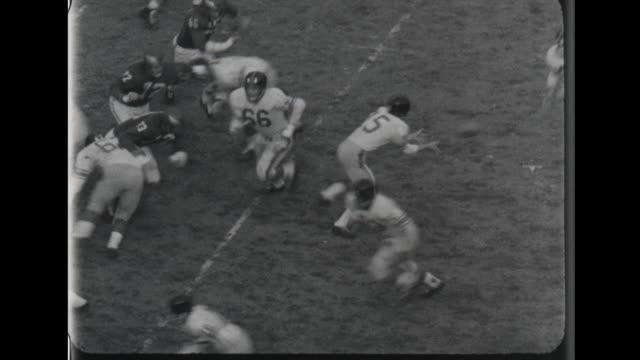 vidéos et rushes de football - philadelphia eagles vs new york giants at franklin stadium - nfc
