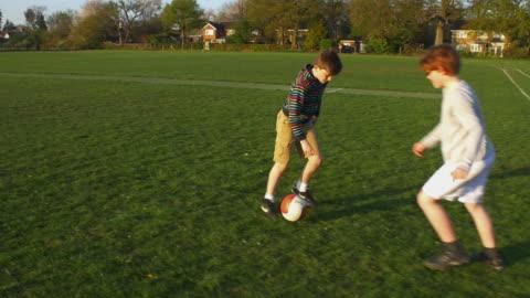 football slow motion - 40 sekunder eller längre bildbanksvideor och videomaterial från bakom kulisserna
