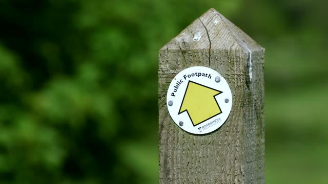 footpath sign - pedestrian walkway stock videos & royalty-free footage