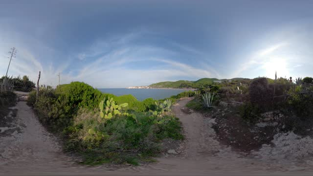 360 vr / footpath to baia san nicola bay at the adriatic sea - adriatic sea stock videos & royalty-free footage