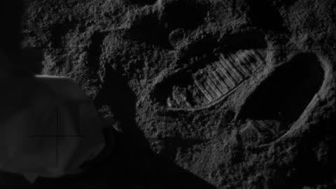 vidéos et rushes de empreintes de pas sur la lune - lune