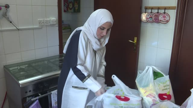 for dania murad a syrian woman living in saudi arabia's riyadh this ramadan will be like no other for her family as the kingdom enforces a tight... - saudi arabia stock videos & royalty-free footage