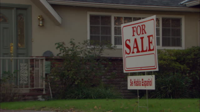 MS, ZO, 'For sale' sign in front of suburban house, Studio City, Los Angeles, California, USA