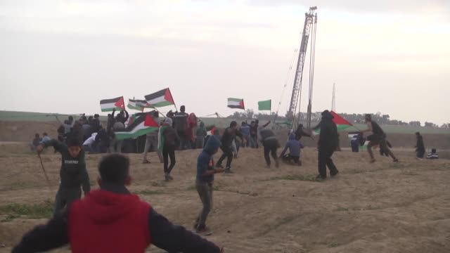 for the 37th consecutive friday palestinians started to converge on the gazaisrael buffer zone to take part in ongoing mass demonstrations against... - begin stock videos & royalty-free footage