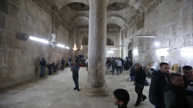 for the first time in 16 years palestinians on friday prayed at the bab alrahma mosque located inside east jerusalem's alaqsa mosque complex the... - east jerusalem stock videos & royalty-free footage