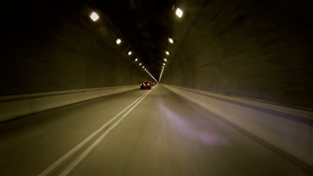stockvideo's en b-roll-footage met forbidden overtaking in the tunnel - wegmarkering