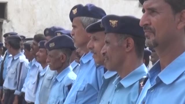 forces loyal to the exiled government of president abedrabbo mansour hadi inaugurated on thursday military and security facilities in yemens war... - esilio video stock e b–roll