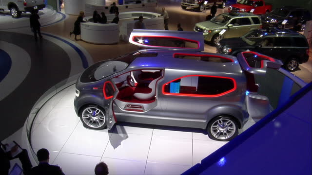 ms, ha, ford airstream concept car rotating on display, north american international auto show - konzeptauto stock-videos und b-roll-filmmaterial