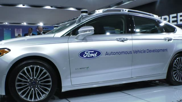 ford autonomous self-driving concept vehicle on display at the detroit auto show during media preview days. the car is scheduled for mass production... - tecnologia assistiva video stock e b–roll
