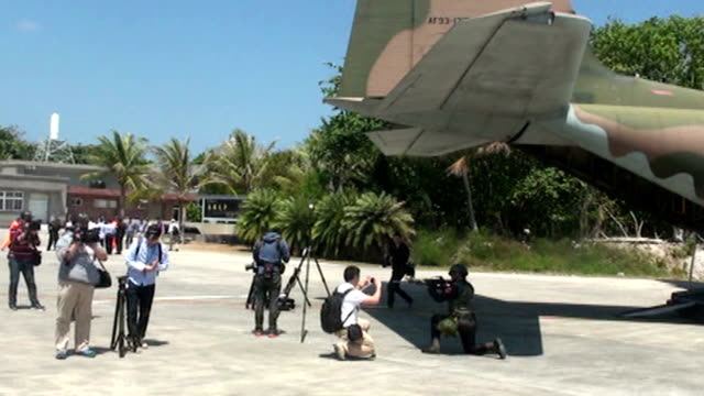 foreign correspondents visited a taiwancontrolled island in the south china sea on wednesday marking the first time the government has taken... - south china sea stock videos & royalty-free footage