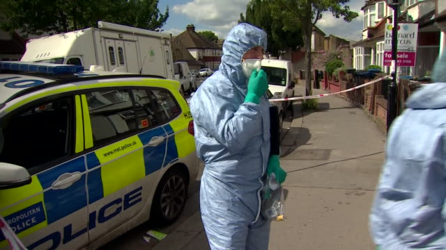 forensic officers outside home of pregnant murder victim kelly mary fauvrelle london - knife crime stock videos & royalty-free footage