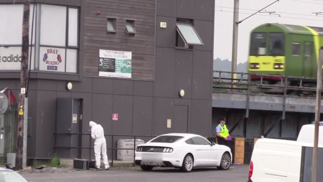 vidéos et rushes de a forensics team work on the scene at bray boxing club in county wicklow ireland where three people were shot this morning - expertise médicolégale