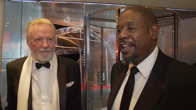 vídeos de stock, filmes e b-roll de interview forest whitaker on sophia's love for life and his frequent visits to mexico sophia loren's 80th birthday celebration on september 20 2014... - méxico central