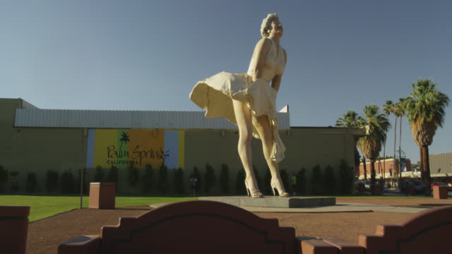 forever marilyn on south palm canyon drive - female likeness stock videos & royalty-free footage