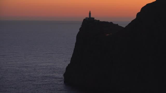 stockvideo's en b-roll-footage met formentor lighthouse - met rand