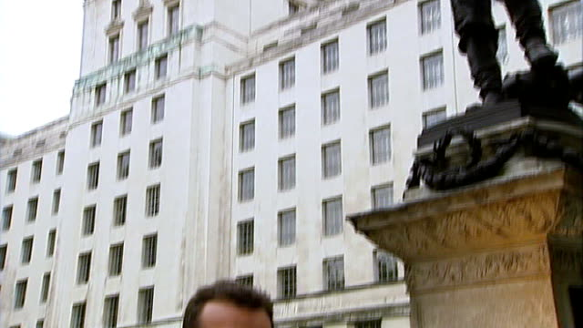 Former army leaders accuse BNP of hijacking the good name of Britain's military ENGLAND London EXT Statue of General Charles Gordon Reporter to camera