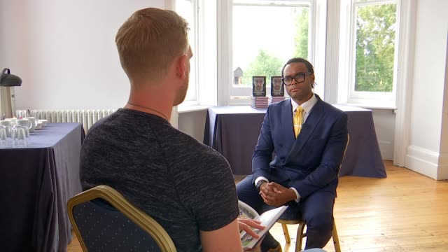 stockvideo's en b-roll-footage met former arsenal player and manager of arsenal academy releases autobiography england london int reporter asking question sot per mertesacker interview... - autobiografie
