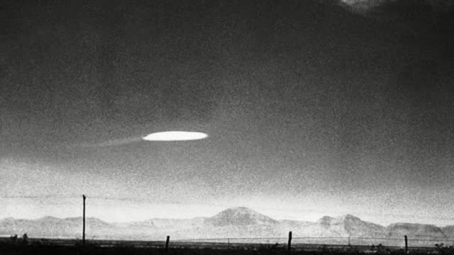 former b-1 bomber pilot claims he witnessed a ufo over the arizona desert and says it didn't look anything like an airplane. - former stock videos & royalty-free footage