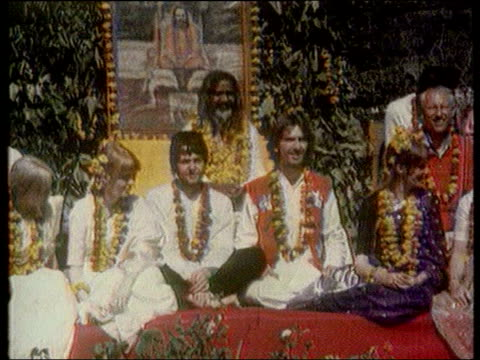 death announced lib harrison and the beatles sat with the maharishi mahesh yogi - maharishi mahesh yogi stock videos & royalty-free footage
