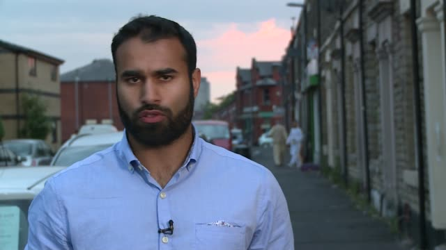 vidéos et rushes de former british guantanamo bay detainee has travelled to syria ext reporter to camera sot - précédent