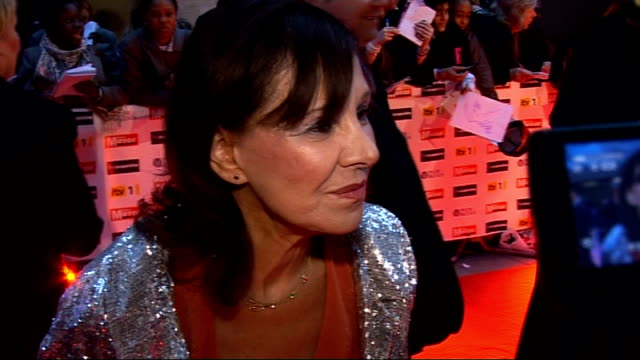 Former Countryfile presenter wins ageism case against the BBC LIB / 5102009 Arlene Phillips on red carpet at Pride of Britain Awards 2009