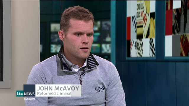 former criminal john mcavoy on course to become one of the world's best long-distance triathletes; england: london: gir: int john mcavoy live studio... - triatleta video stock e b–roll