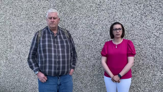 former democratic unionist party councillors glyn hanna and kathryn owen speak about resigning from the party - democratic unionist party 個影片檔及 b 捲影像
