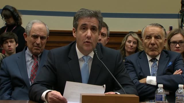 former donald trump attorney michael cohen reads a closing statement at a house oversight and reform committee hearing by addressing trump directly... - 法廷審問点の映像素材/bロール