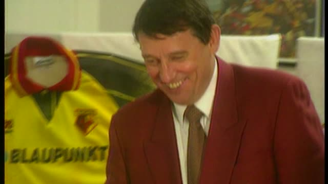 Former England and Watford manager Graham Taylor dies aged 72 BSP220296038 2221996 Vicarage Road PHOTOGRAPHY *** Graham Taylor into room for press...