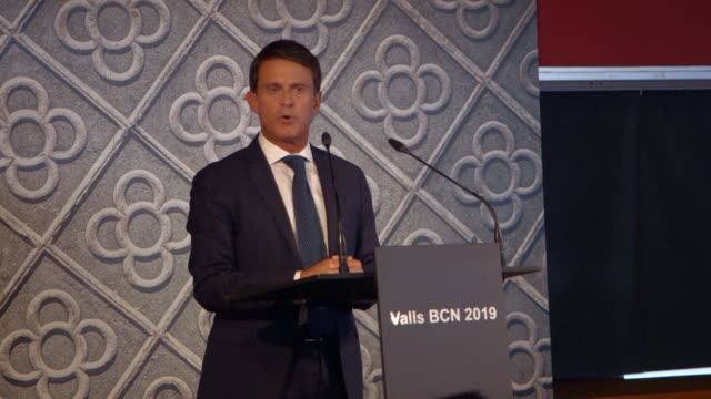 vídeos de stock, filmes e b-roll de former french prime minister manuel valls announces that he will run for mayor of barcelona in what will be an unprecedented bid for political power... - ex