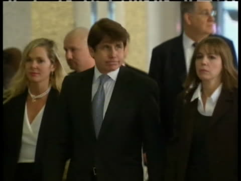 vidéos et rushes de former illinois governor rod blagojevich received fourteen years in prison on wednesday december 7th. blagojevich's eighteen convictions included... - united states and (politics or government)