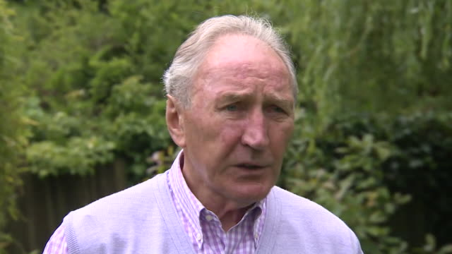 former leeds united manager howard wilkinson praising current manager marcelo bielsa for doing it his way after the club earned promotion to the... - coach stock videos & royalty-free footage