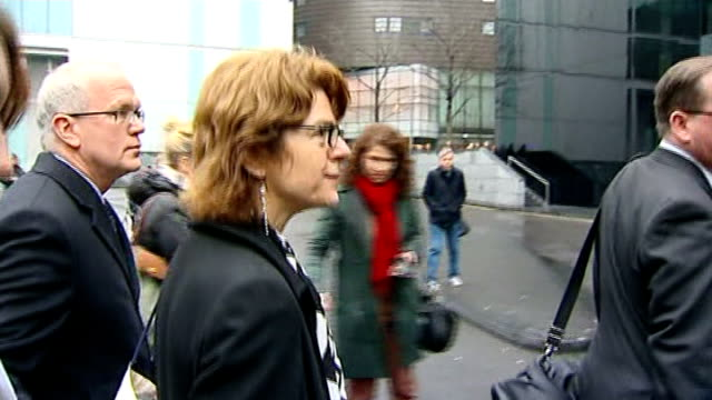 former minister denis macshane jailed for expenses fraud t07031307 / tx vicky pryce along with others outside court - ビッキー・プライス点の映像素材/bロール