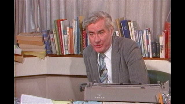 former news at ten presenter sir alastair burnet dies 1980s alastair burnet interview sot not just the news that may end up in the history books but... - alastair burnet stock-videos und b-roll-filmmaterial