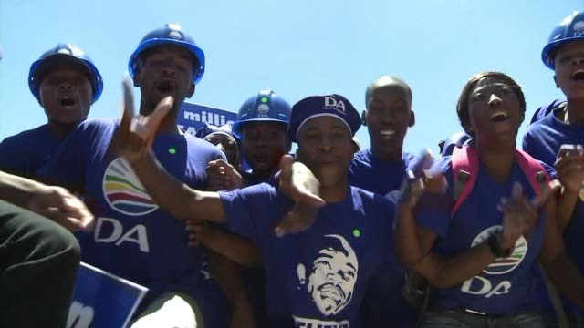 stockvideo's en b-roll-footage met former political journalist helen zille is the tough and articulate woman leading south africas main opposition the democratic alliance - gauteng provincie