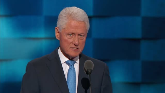 vídeos de stock, filmes e b-roll de former president bill clinton discusses hillary's qualifications at the convention telling delegates that she is the best change maker he has ever... - bill clinton