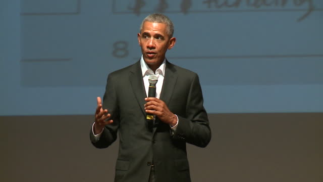 wgn former president obama made a surprise visit at the obama foundation's youth training exercise on oct 14 2017 the event was held at gary comer... - バラク・オバマ点の映像素材/bロール