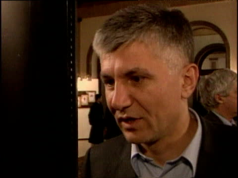 former prime minister zoran djinjic (now deceased) talking about a new democracy saying goodbye to communism and all kinds of dictatorship belgrade; dec 2000 - prime minister点の映像素材/bロール