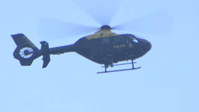 stockvideo's en b-roll-footage met former prisons boss phil wheatley says justice secretary 'should apologise' for prisons r16121602 / hmp birmingham day police helicopter flying... - former