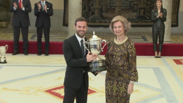 stockvideo's en b-roll-footage met former queen sofia of spain and juan mata attends to national sports awards at royal palace of el pardo - pardo