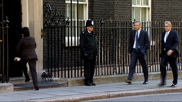 former royal bank of scotland boss fred goodwin stripped of knighthood date goodwin along to number 10 - ロイヤル・バンク・オブ・スコットランド点の映像素材/bロール