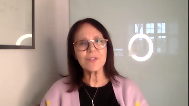 """former strictly come dancing judge arlene phillips has said she cannot wait to """"pursue freedom"""" after having her second coronavirus vaccine. phillips... - ストリクトリーカムダンシング点の映像素材/bロール"""