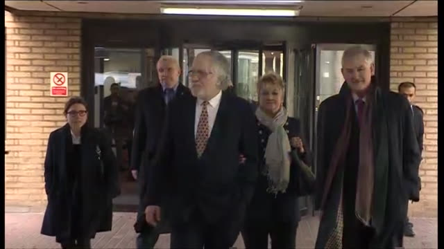 former tv presenter and radio dj dave lee travis leaving southwark crown court after being acquitted of 12 charges of indecent assault - 無罪点の映像素材/bロール