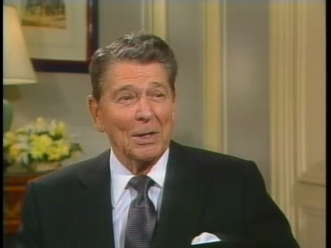 former us president ronald reagan says that he now is on the mashed potato circuit. - ゆでつぶし点の映像素材/bロール