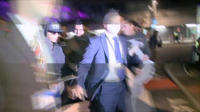 vídeos y material grabado en eventos de stock de formula one lewis hamilton celebrates his second formula one title england london ext double formula one world champion lewis hamilton along with... - lewis hamilton nicole scherzinger