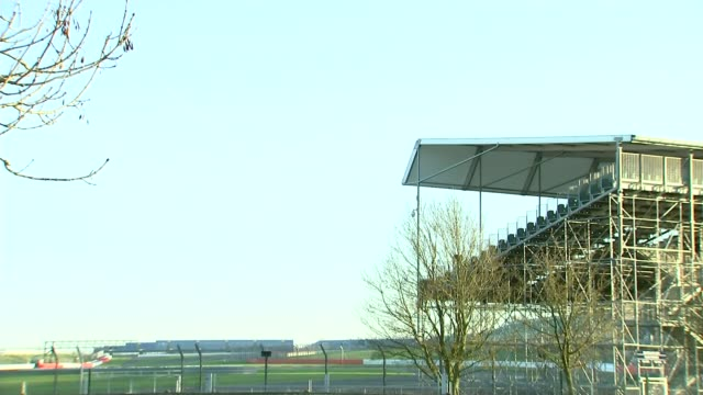 formula one: threat of job losses if british grand prix is lost; t05012017 / 5.1.2017 northamptonshire: silverstone: sign at entrance to the... - silverstone stock videos & royalty-free footage