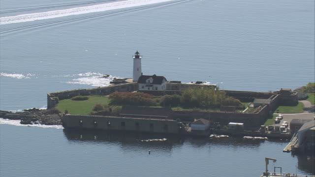 aerial fort foster with fortifications and lighthouse / kittery, maine, united states - kittery stock videos & royalty-free footage