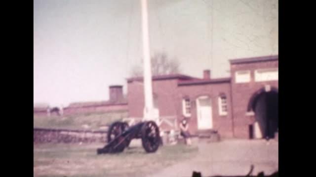 1961 fort mchenry and baltimore inner harbor - hafen von baltimore stock-videos und b-roll-filmmaterial