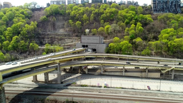 fort pitt tunnel in pittsburgh pennsylvania - pittsburgh video stock e b–roll